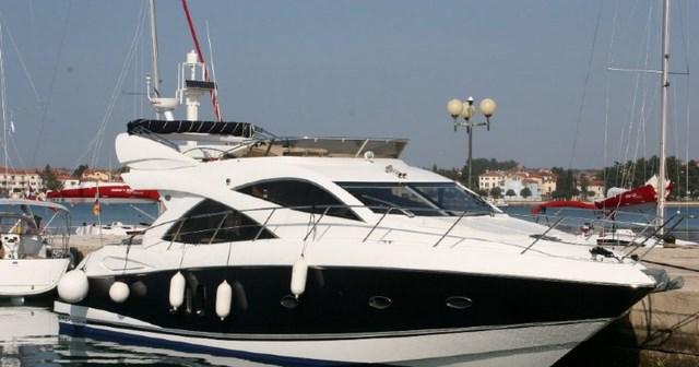 Motor yacht sunseeker manhattan 50 yacht charter croatia for Motor yacht charter croatia
