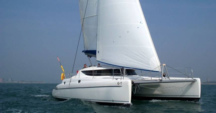 Catamaran Charter Fountaine Pajot Athena 38