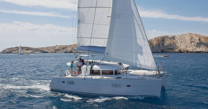 Catamaran Charter Croatia Lagoon 400 S2
