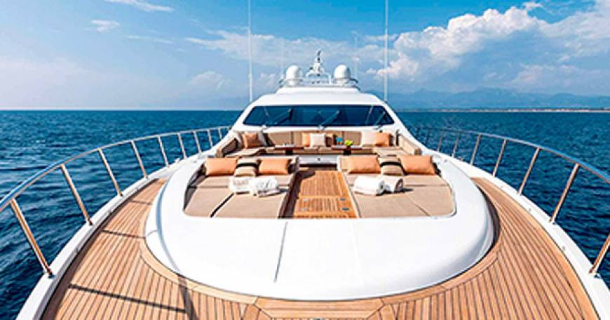 How to Save Money with A Bareboat Charter