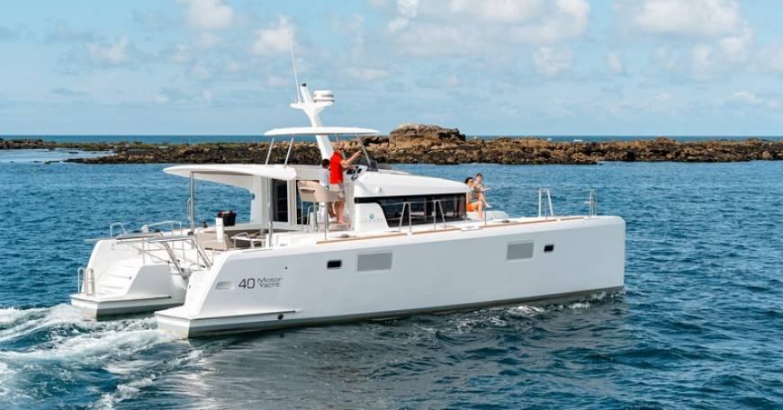 Catamaran Lagoon 40 Motor Yacht - Charter in Croatia