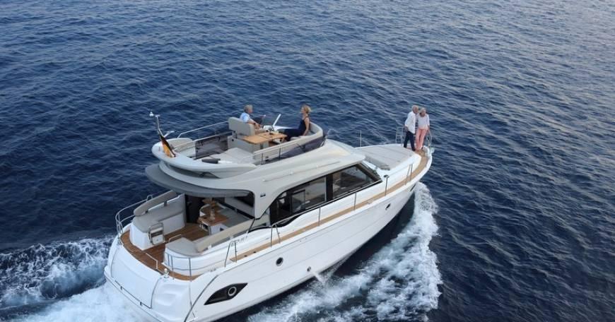Bavaria E40 Fly Motor boat charter Croatia
