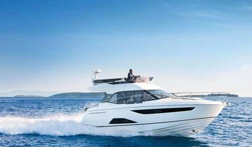 Bavaria R40 Motor boat charter in Croatia